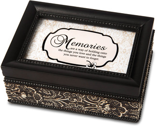 "Memories by Modeles - 4""x 6"" Music Box"